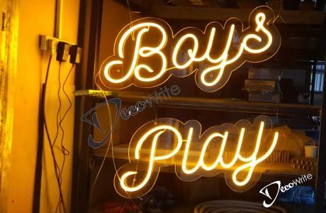שילוט לד גמיש על בסיס פרספקס שקוף  | BOYS PLAY
