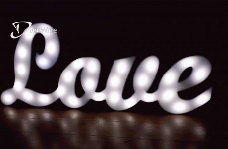אותיות מוארות LOVE תאורת LED וינטאג' | גובה 50 ס
